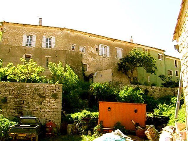 """BANON Alpes de Provence et sa Librairie """"LE BLEUET"""", célèbre dans le monde entier"""