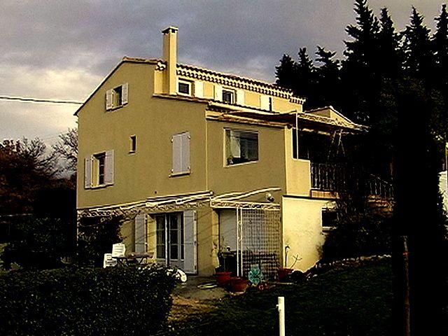 Chez Rausch au Hameau des Joumillons (LUBERON-Région de St Saturnin-lez-Apt-Villars)
