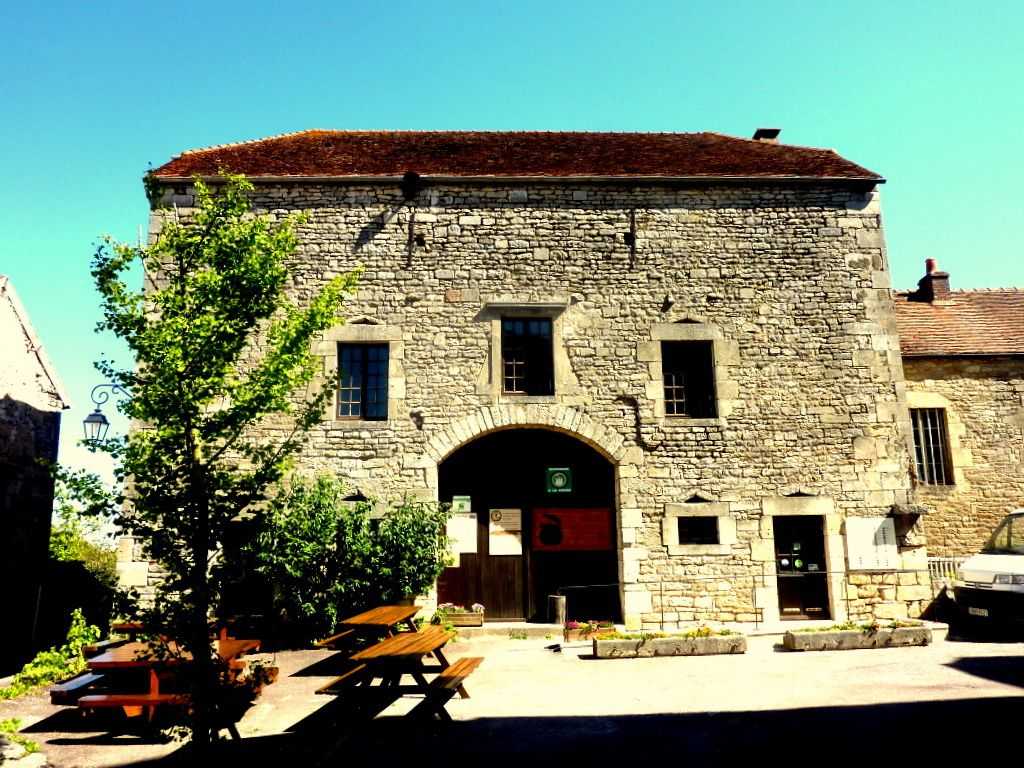 BIO 332   Année 2014, premier semestre. Voyage en Bourgogne en mai