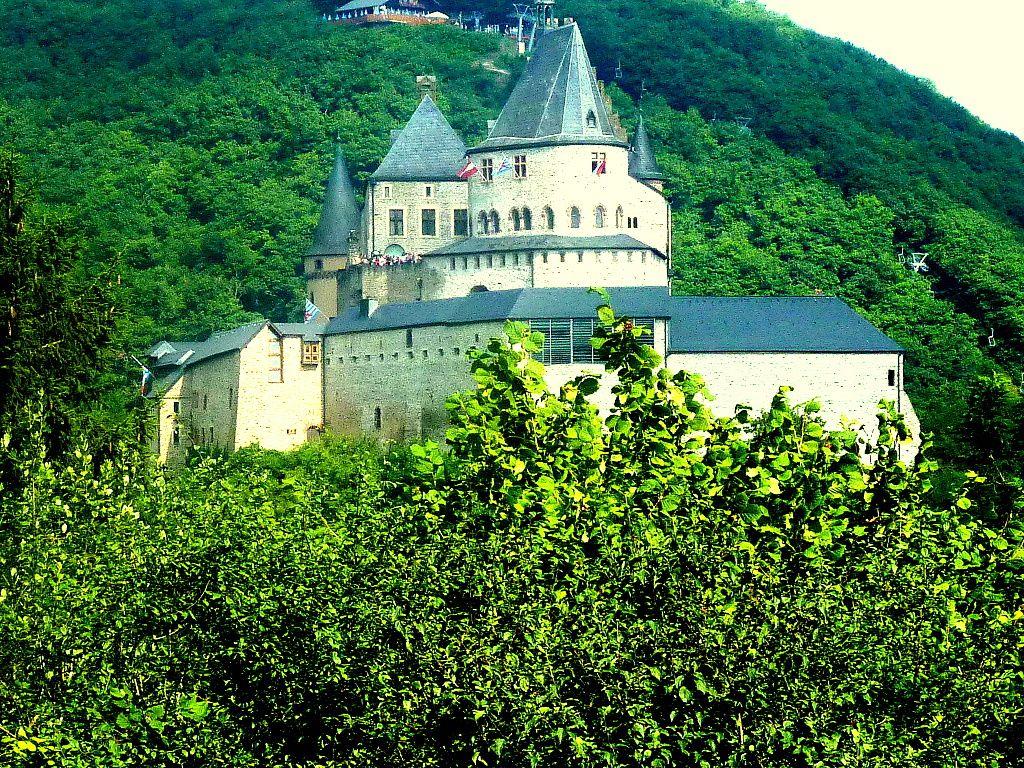 VIANDEN, son château-fort et le Musée Victor Hugo