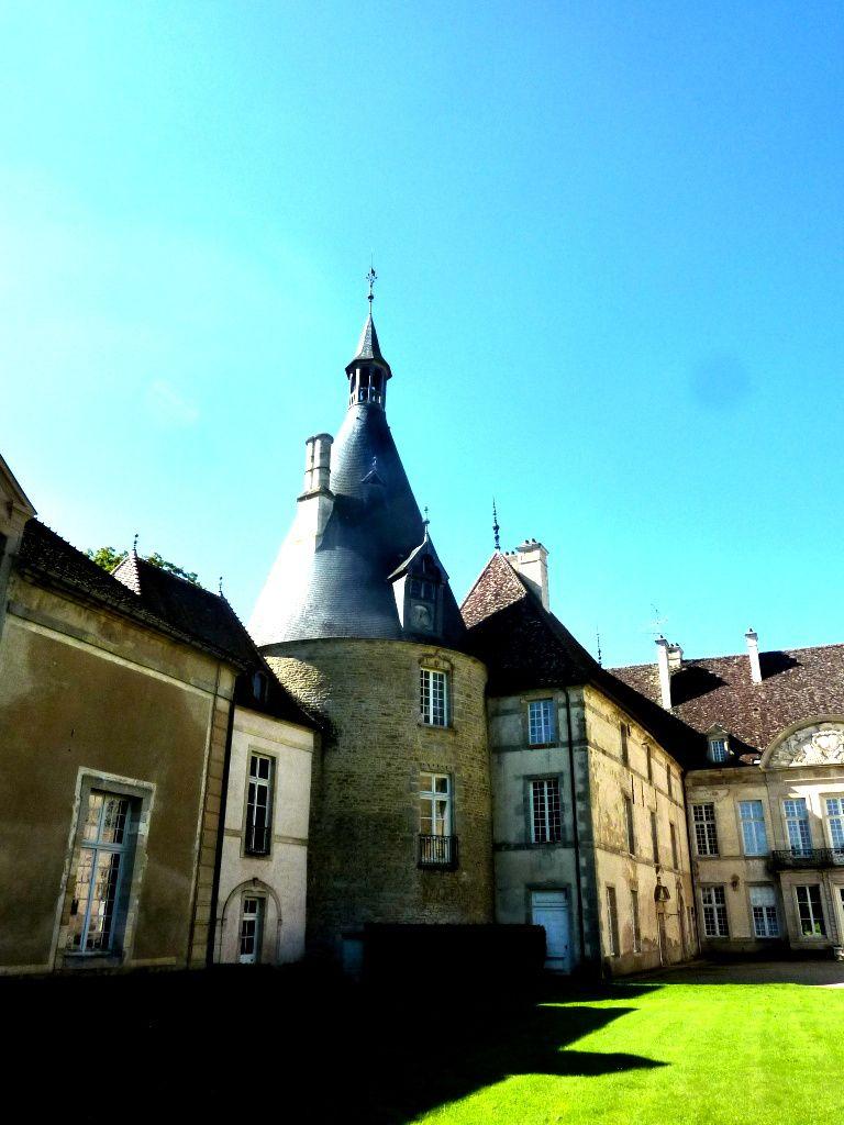 Le Château de Commarin, la maison de Vincenot, Le resto à Châteauneuf-en-Auxois