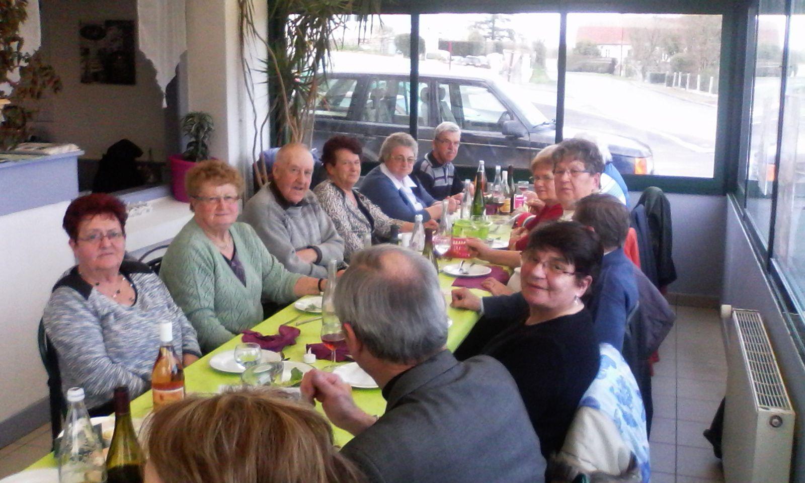 Repas des aînés... toujours aussi chaleureux !!