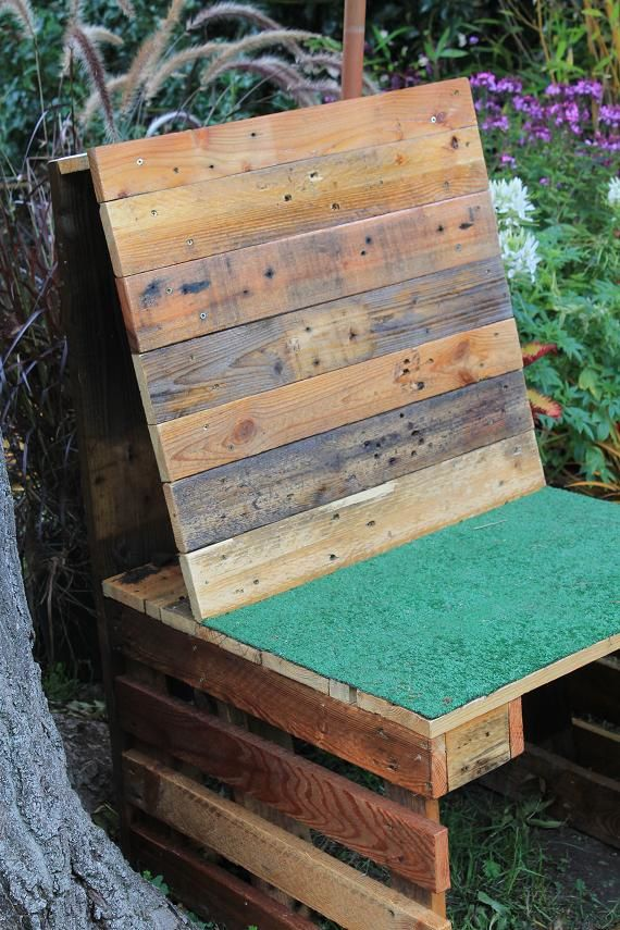 Un confident pour le jardin en bois de palette