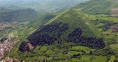 La pyramide du soleil de Bosnie a été datée à -25.000 ans
