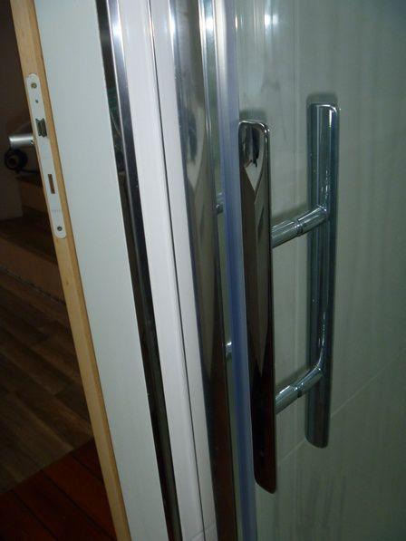Porte de douche la cabanne xavier for Monter une porte de douche