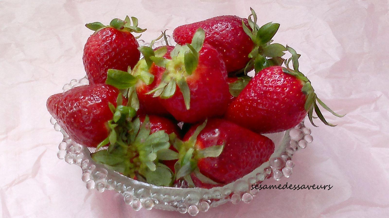 la fraise: vertus et recettes - le sésame des saveurs