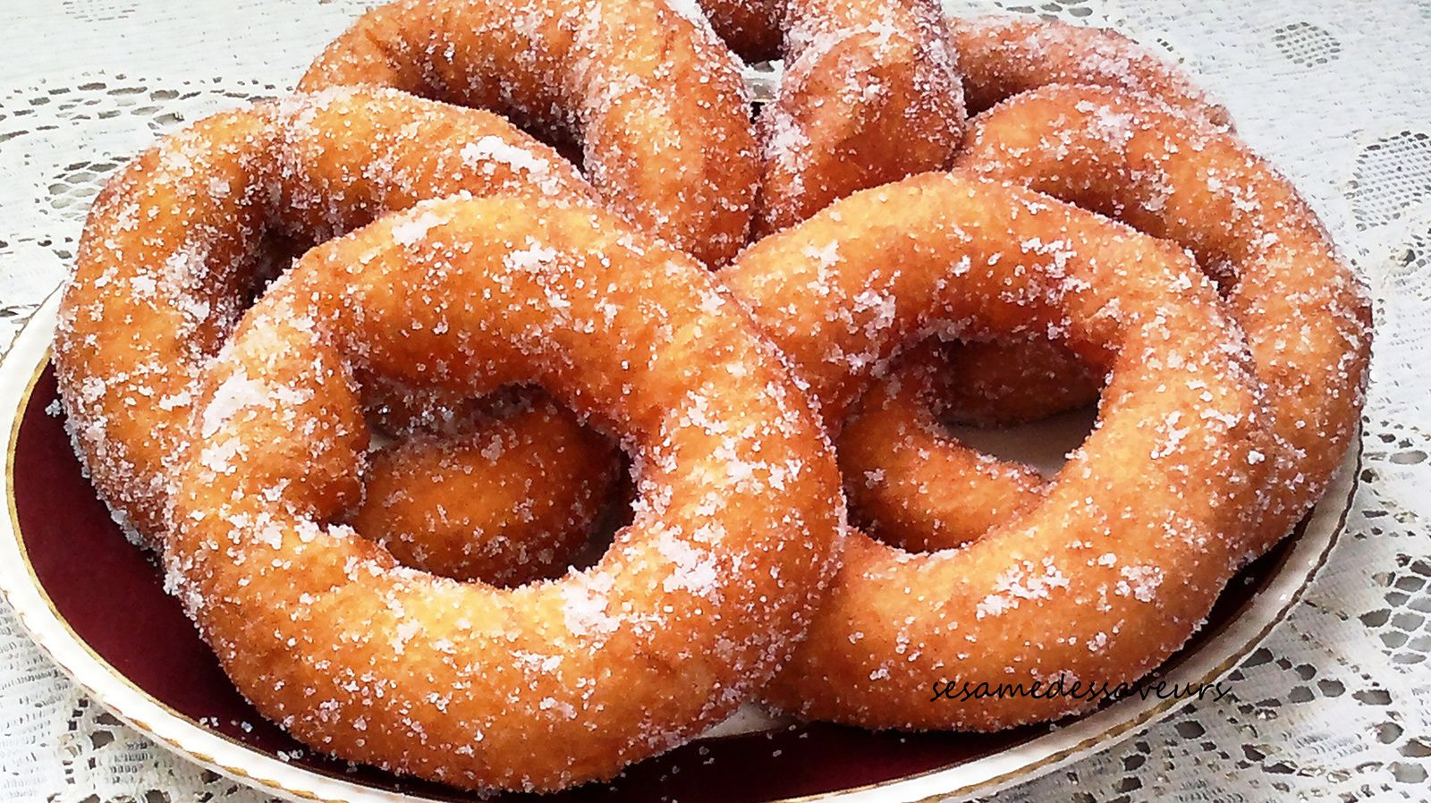 Beignets marocains au sucre