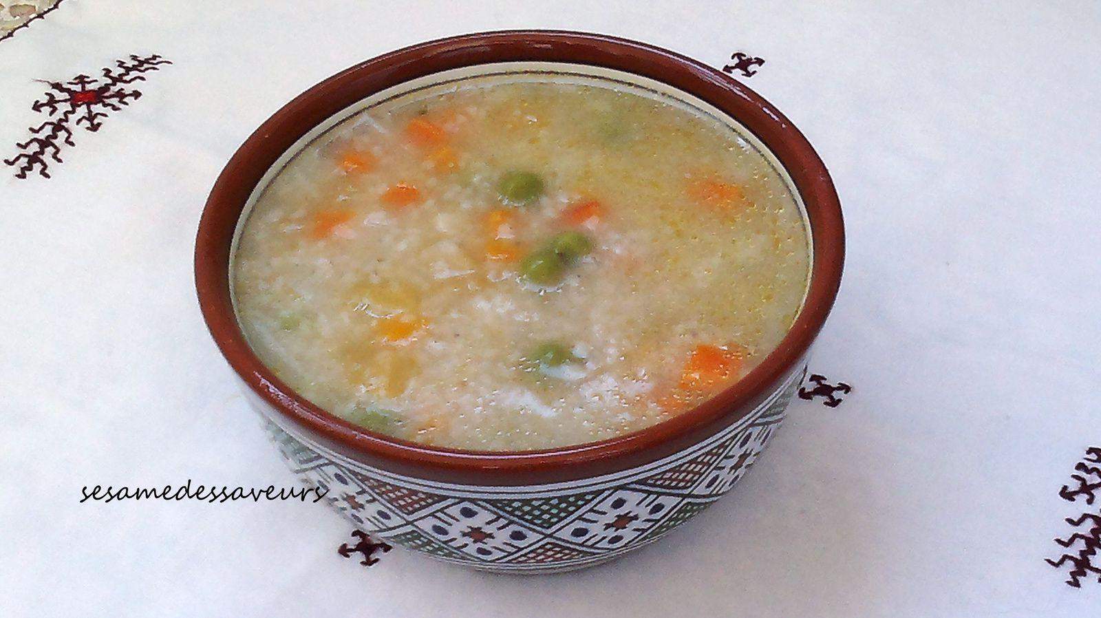 Soupe de semoule d'orge aux légumes