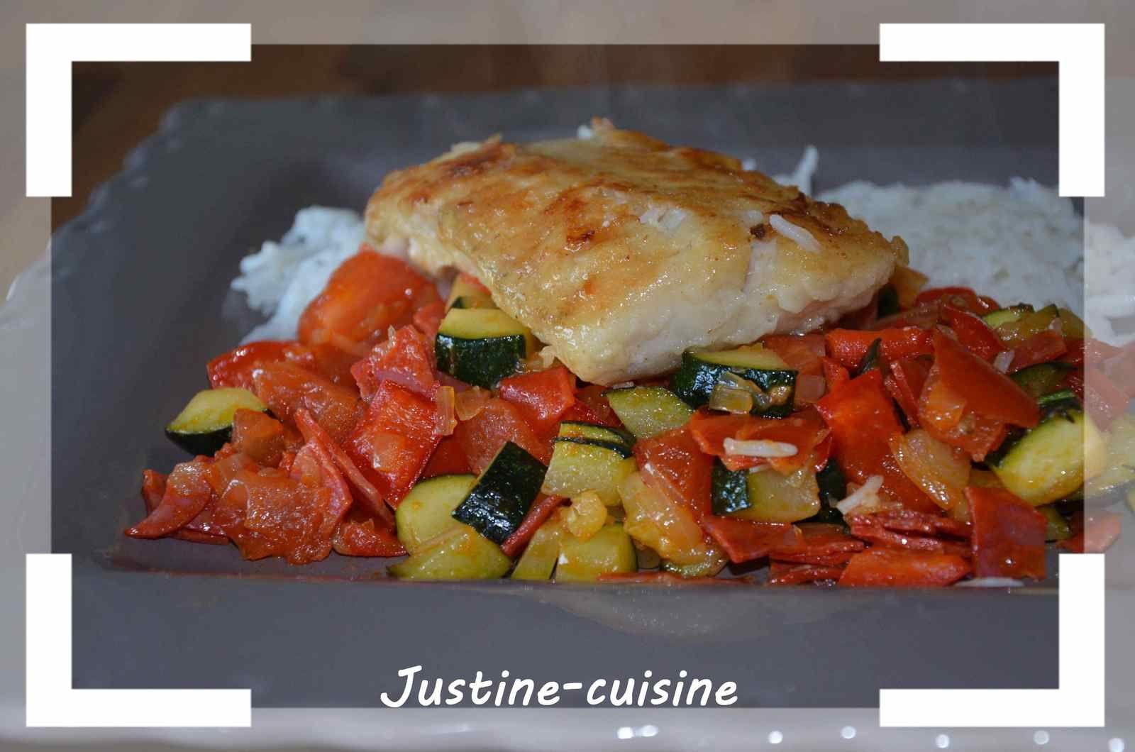 Filet de cabillaud, sur lit de poélée de légumes au chorizo