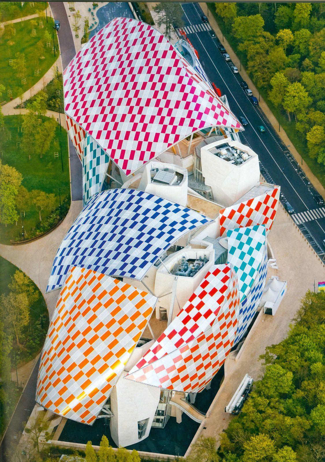 Quand Buren sublime une oeuvre de Gehry...