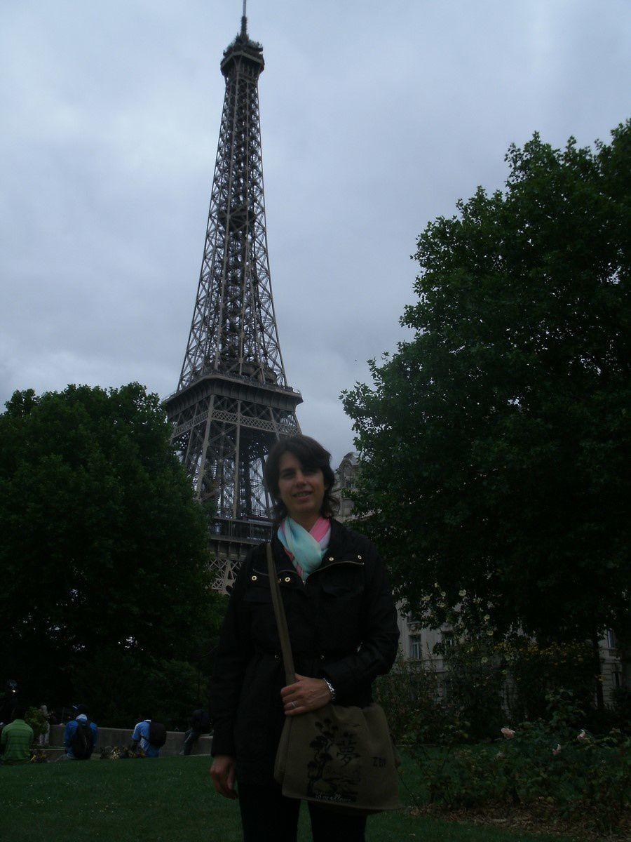 La Tour Eiffel !! avec ma tete en prime....
