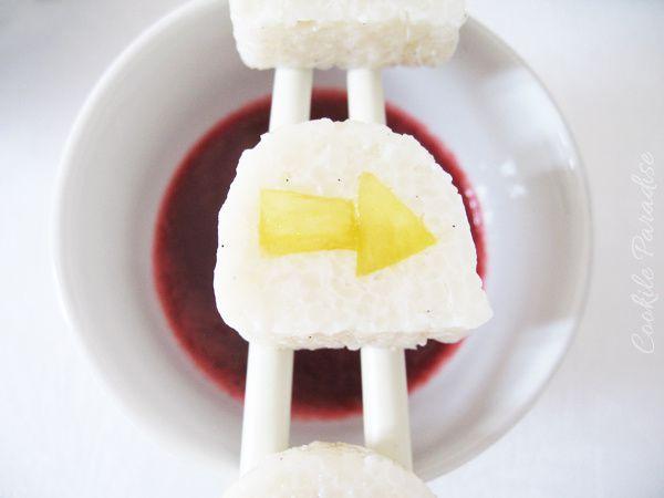 Maki de riz au lait vanillé à l'ananas & son coulis de fruits rouges
