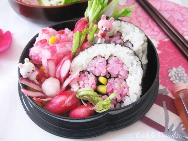 Bento hana-maki sushis à la betterave-maïs ♥ fleur de riz à la betterave-radis &amp&#x3B; salade de betterave-pomme &amp&#x3B; aux raisins verts