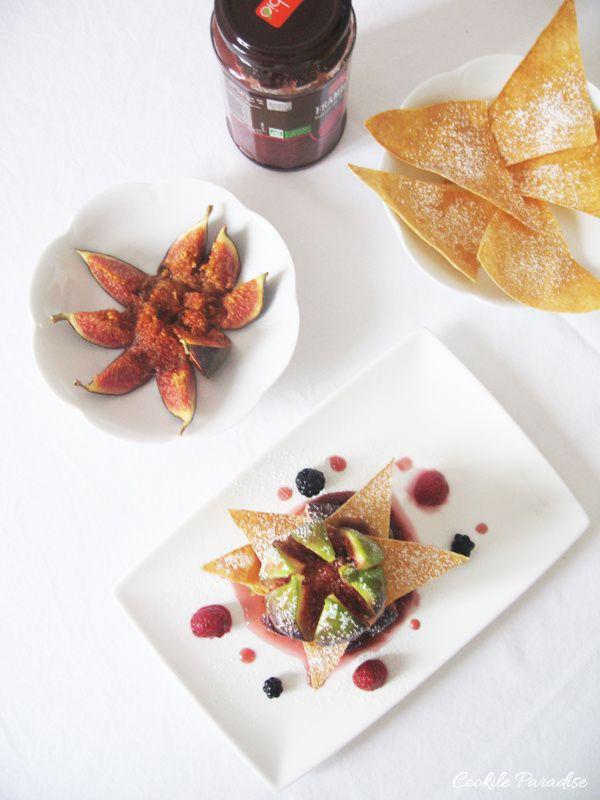 Figues rôties au thé vert jasmin, compote de framboise bio &amp&#x3B; triangle croustillant au sucre glace