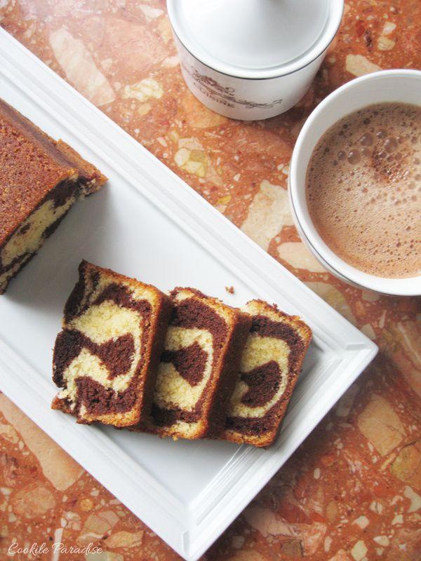 Cake marbré au chocolat-vanille