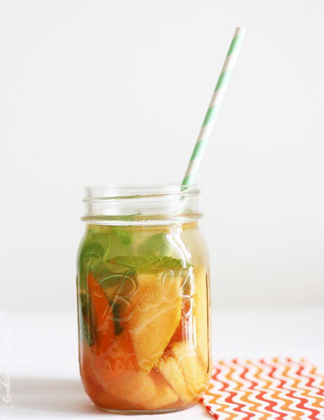 Salade de fruits de l'été au melon, abricot, raisin, poire & cie ♥ eau fruitée au melon-abricot parfumée à la menthe