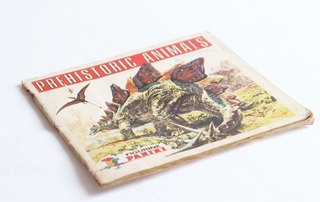 souvenir - authentique album dinosaure panini