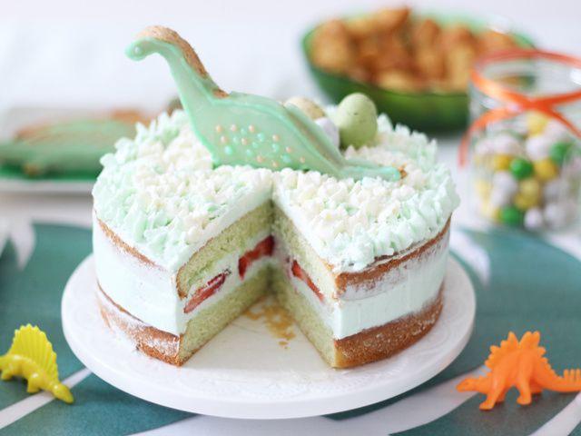 Dinosaure naked cake à la pistache-fraise
