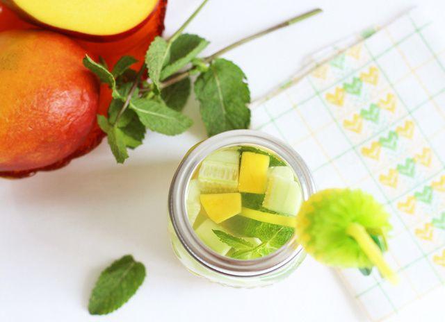 Water detox à la mangue-concombre &amp&#x3B; menthe