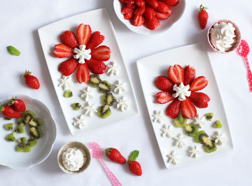 Salade de fleur de fraise, kiwi et sa chantilly à la cardamome