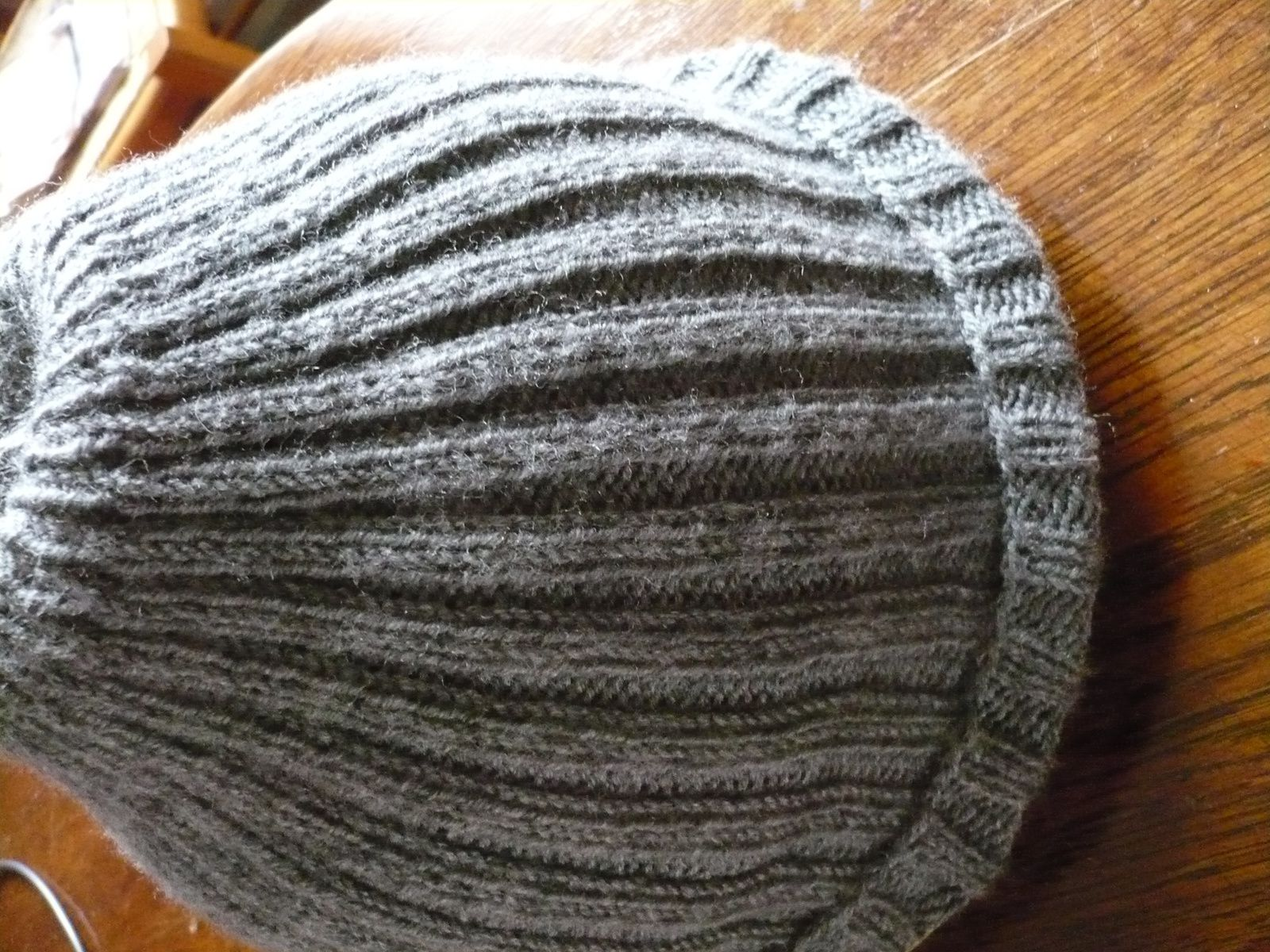 un bonnet tout simple en cotes 2/2