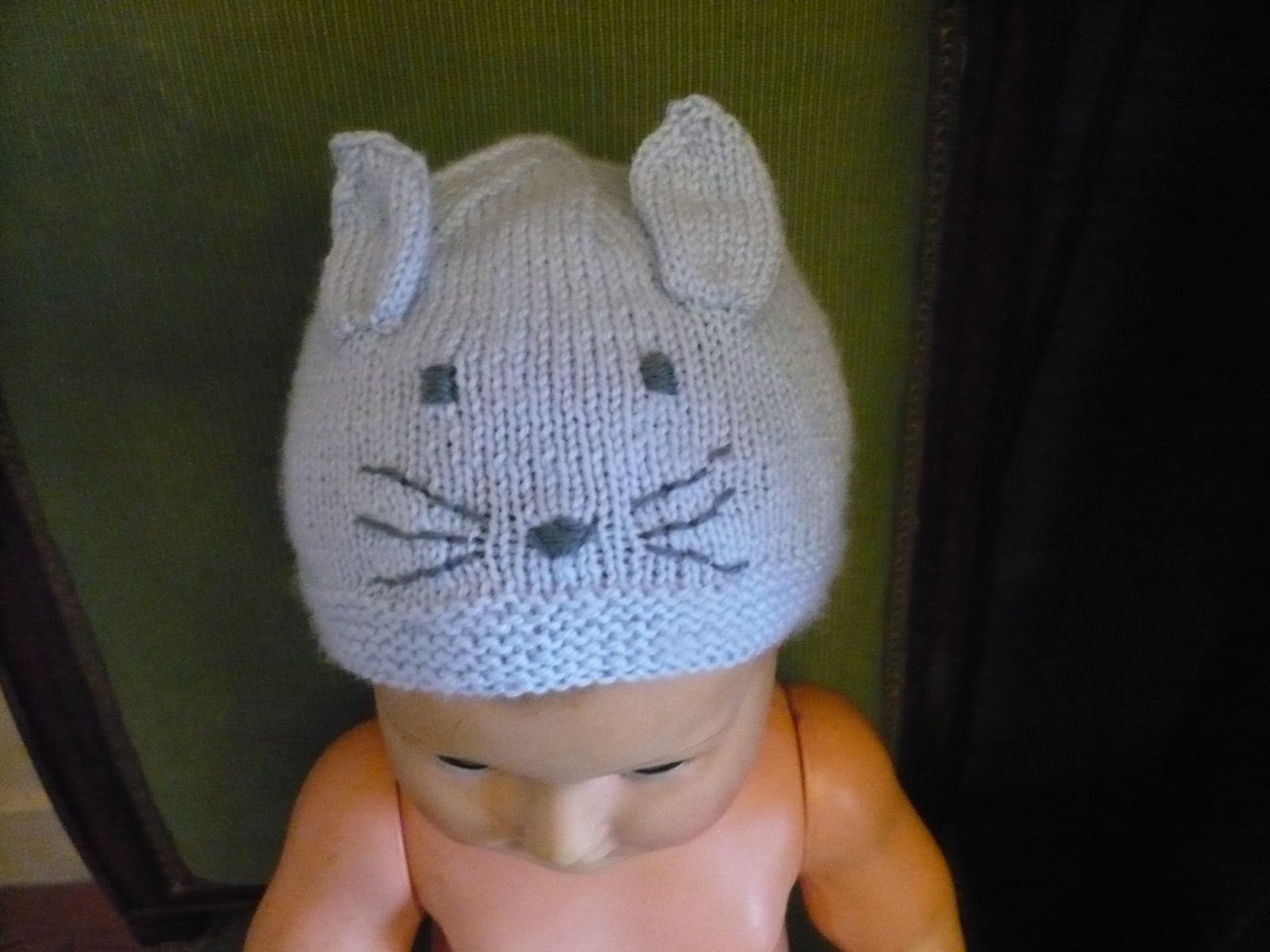 b81e8421f37 tricoter un petit bonnet taille naissance   un tutoriel du montage à ...