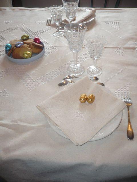 Pour Noël offrez et mettez sur la table une belle nappe en tissu malgache :