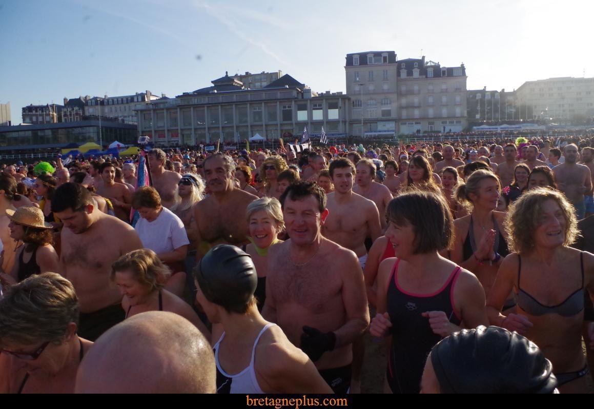 Dernier bain de l' année Dinard 2014