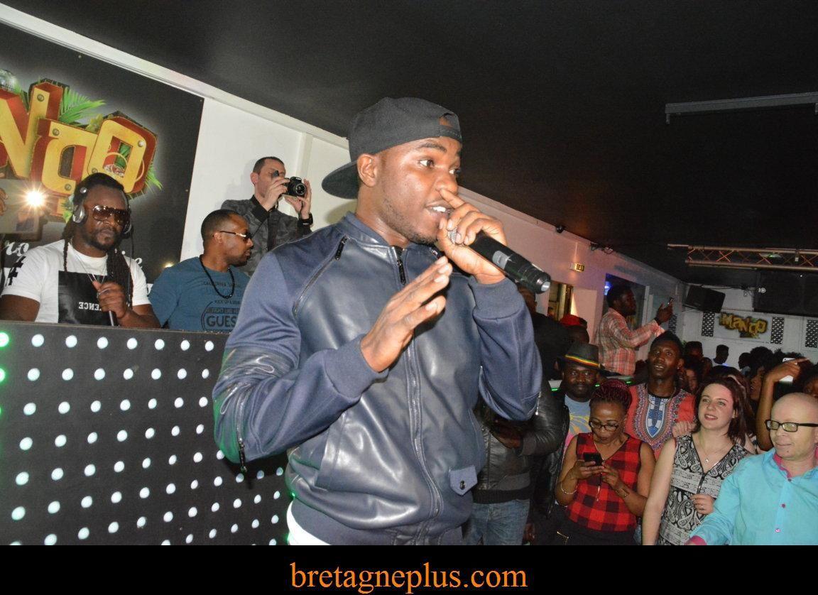 Franko en showcase au Mango Club