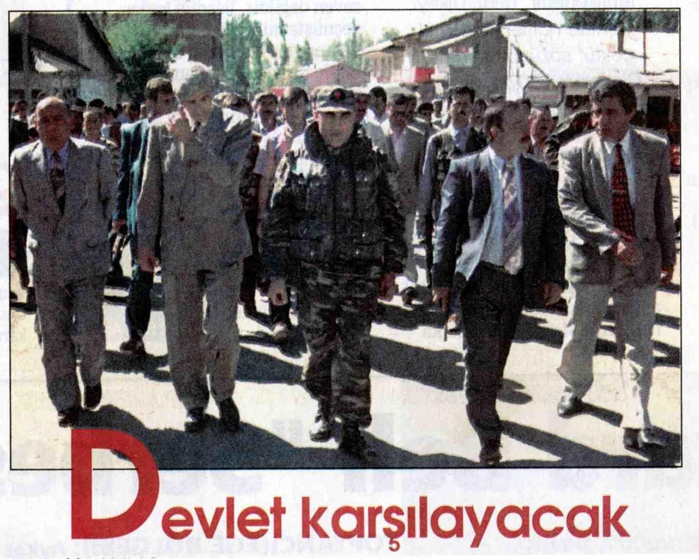 """""""Ils vont trouver l'Etat en face d'eux"""". Le préfet, le commandant de garnison, le chef de la sûreté reprennent possession de Varto. Hürriyet, 20 septembre 1996"""