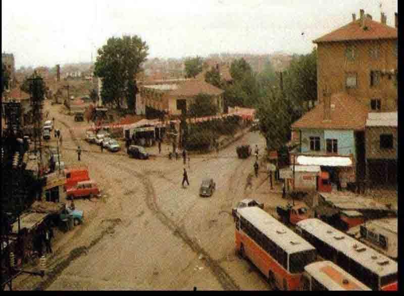 Le centre de Sarıgazi en 1993. Photo extraite du site http://www.cekmekoyhaber.com.tr/Haberdetay.aspx?hid=582