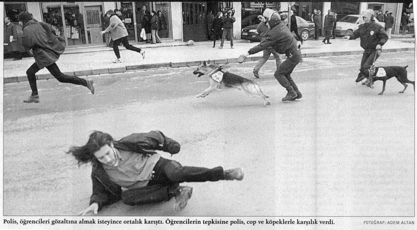 La manifestation d'Ankara - photo Adem Altan pour Radikal, 18 décembre 1997