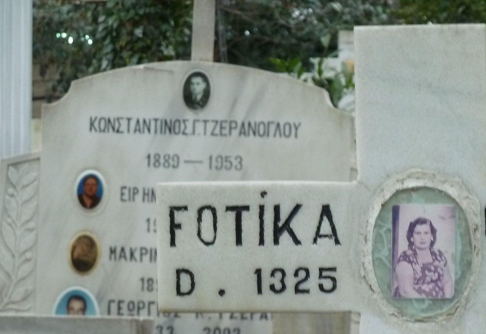 Au cimetière arménien et orthodoxe d'Üsküdar (Istanbul), février 2015. Cliché E.C.