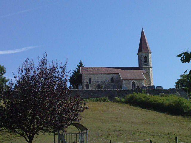 Petite chapelle de Cozance, dans mon quartier, sur un promontoire
