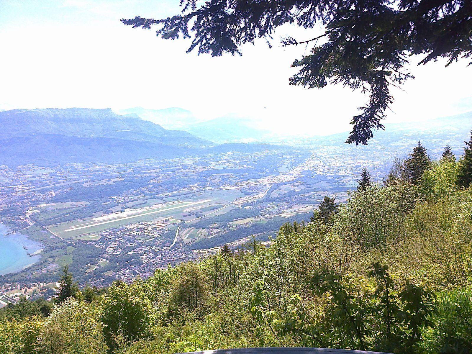 Superbe vue sur le lac du Bourget, le Revard et les Alpes