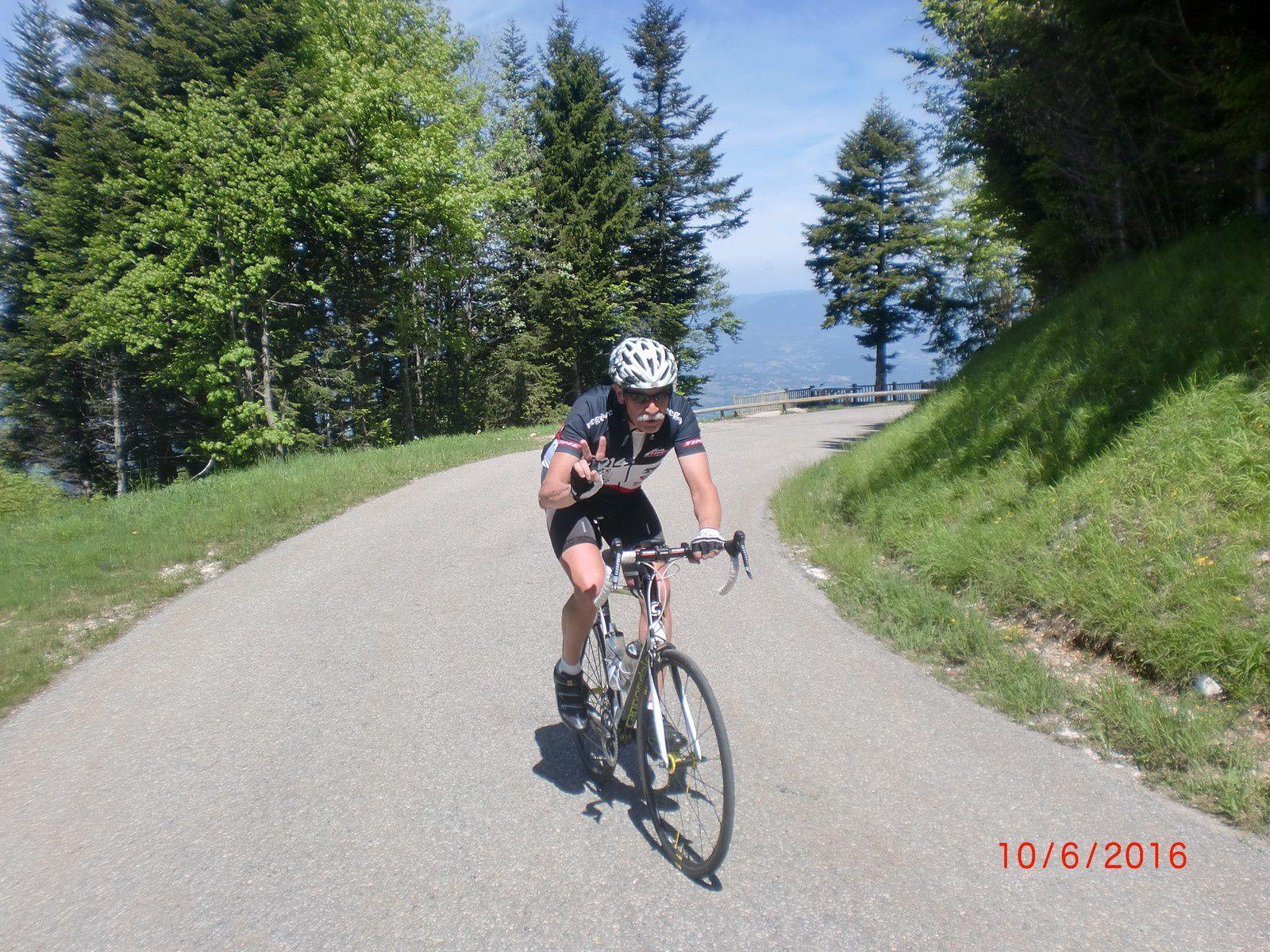 Dans la montée vers le relais (photos de JC)