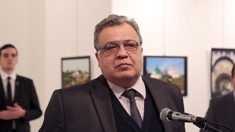 LaPresse.ca - Turquie: l'ambassadeur russe tué par un policier évoquant «Alep»