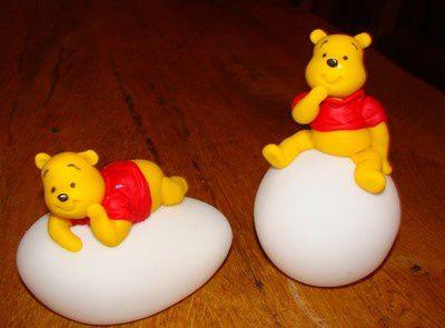 Winnie l'ourson, veilleuse et plaque de porte...