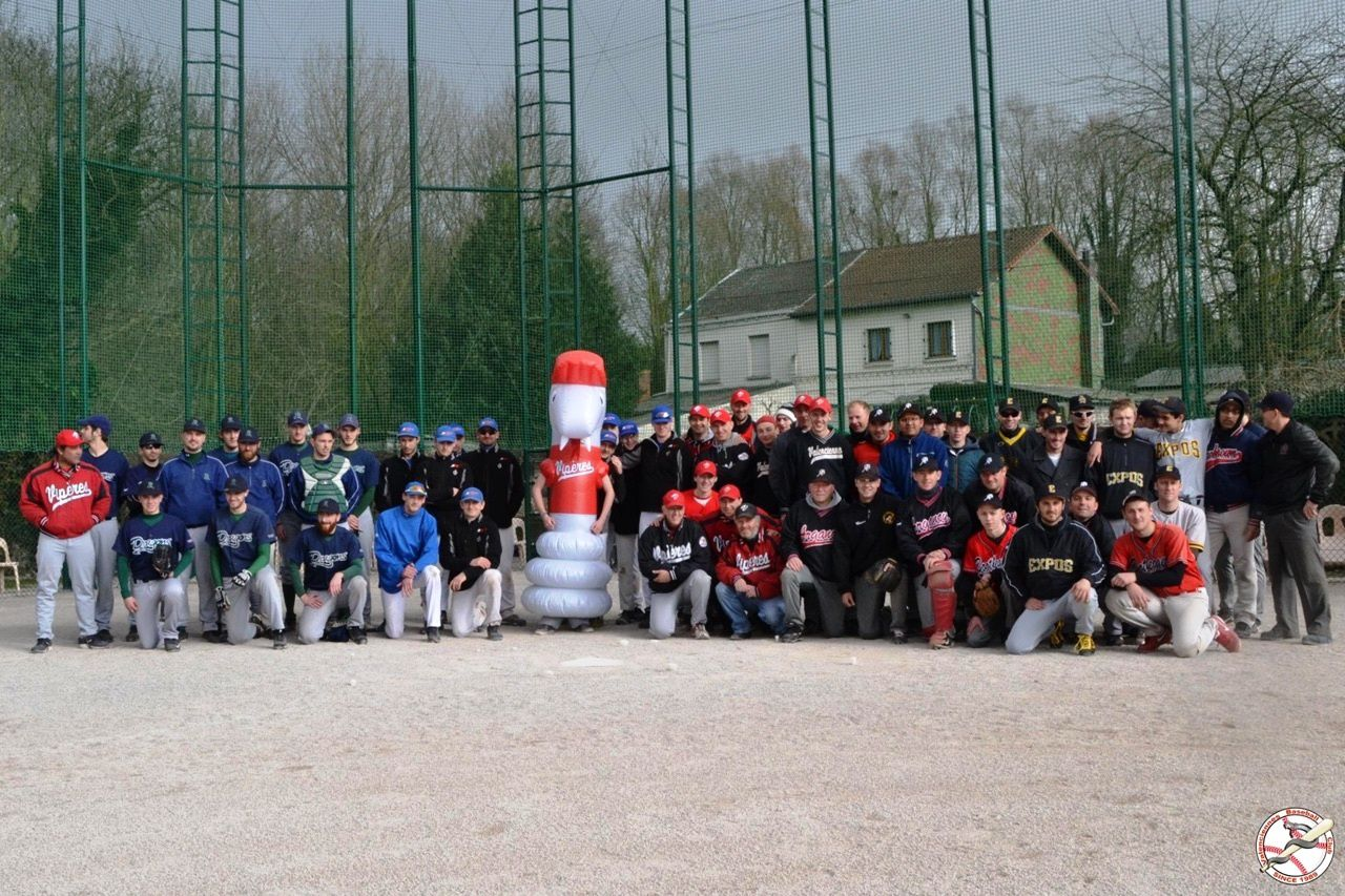 "Photo de groupe au tournoi ""Louis Dupont"" à Valenciennes"
