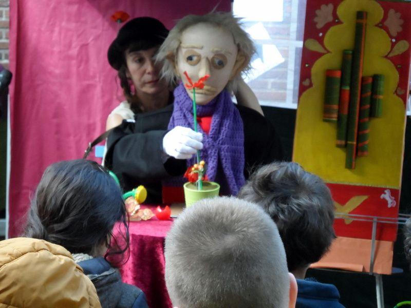 Egidia et son clown, DENIS et son Orgue, Le castelet Mobile de DENIS