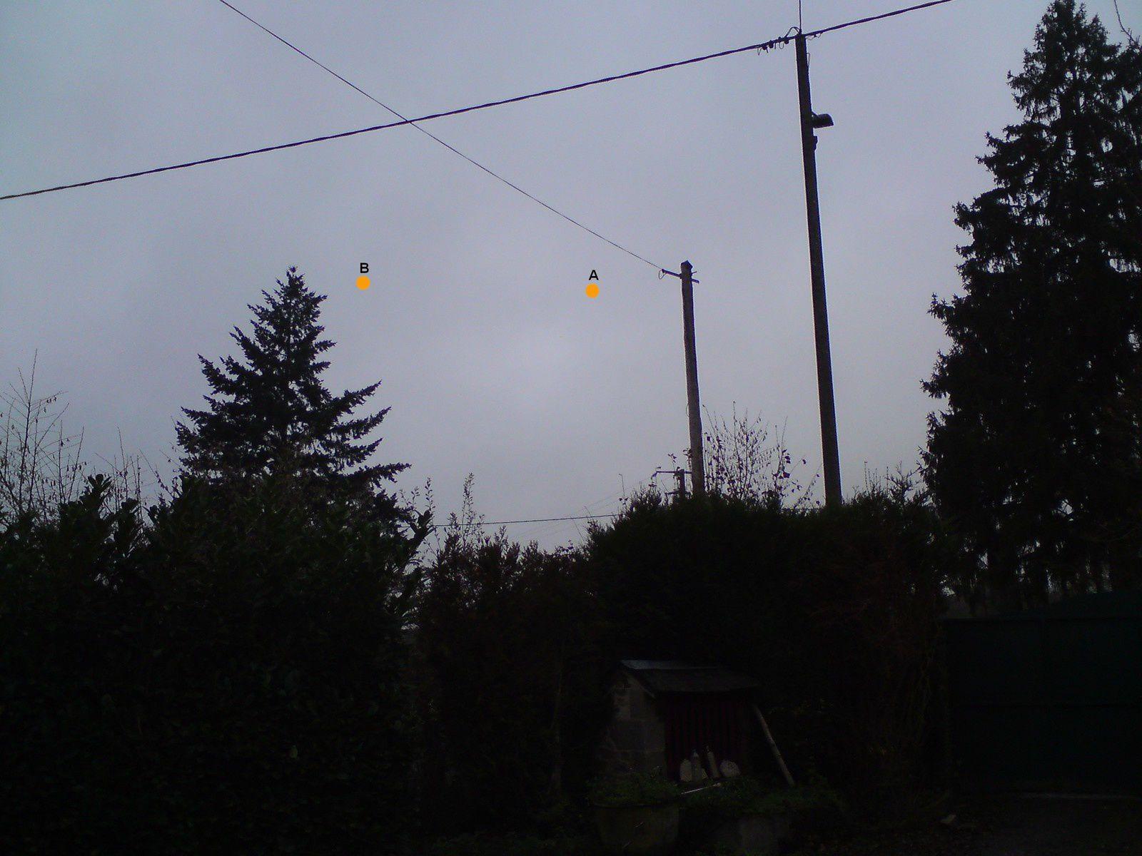Boules lumineuses oranges - Montchevrier - Indre (dép.36)