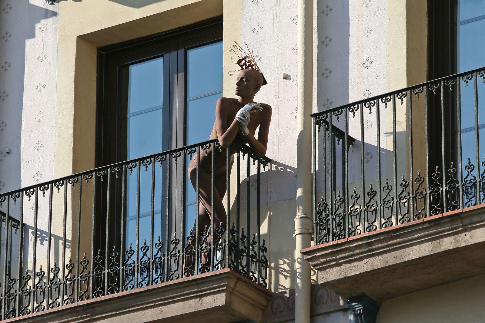 Beauté à son balcon