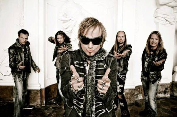 "New EDGUY videoclip ""Love Tyger"""