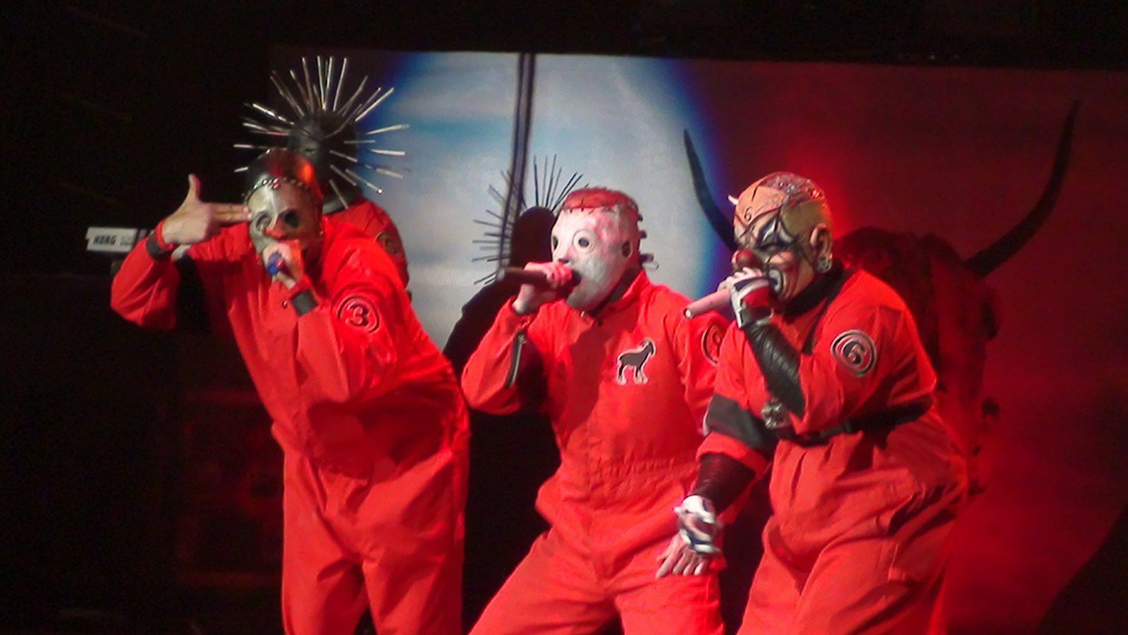"New SLIPKNOT song ""The devil in I"" from upcoming 5th album"