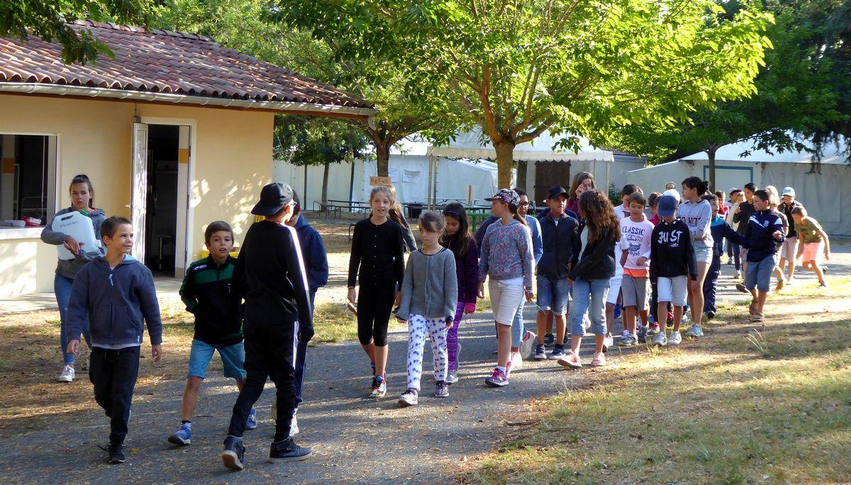 Les 9/11 ans en partance vers le bowling de Marssac avec pique-nique à Aiguelèze