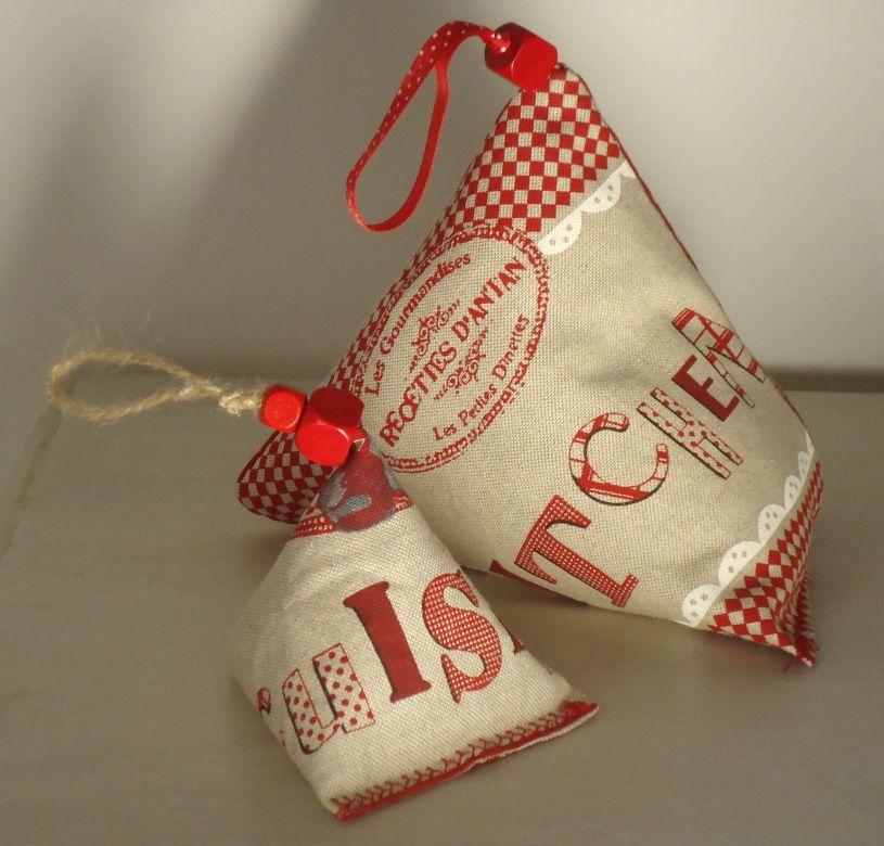 Sac en tissu motifs cuisine l 39 atelier d 39 eliane - Cale porte tissu ...