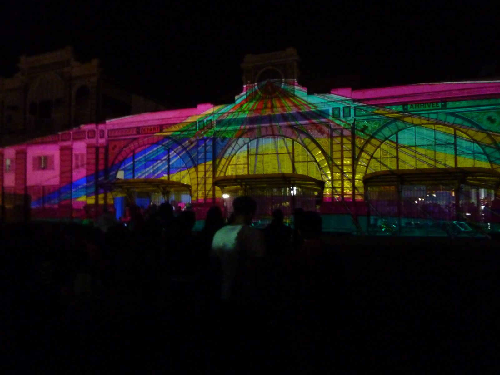 DAK'ART 2016: VIDEO-MAPPING A DAKAR-HAUPTBAHNHOF