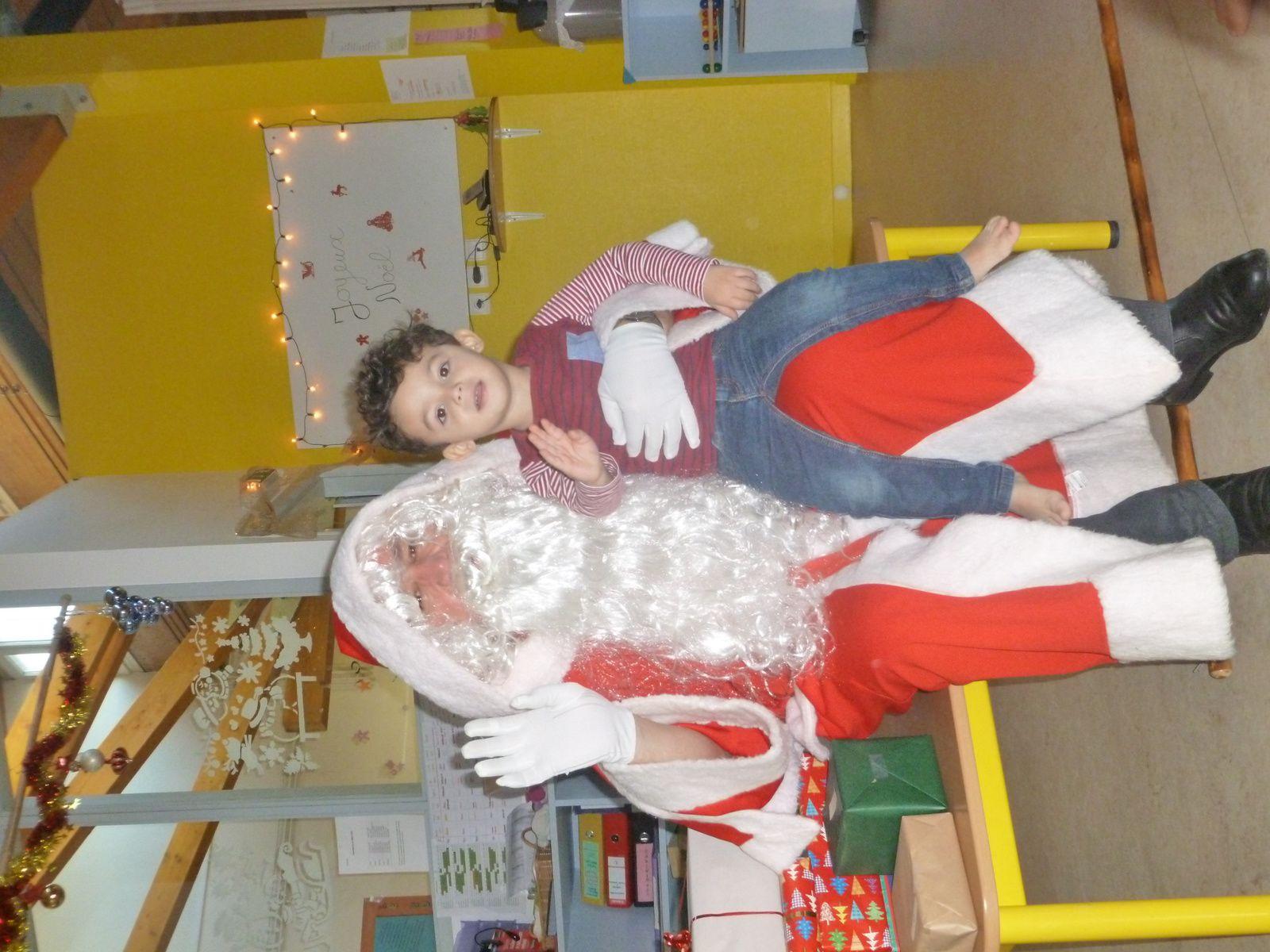 Le Père Noël est aussi passé chez les &quot&#x3B;grands&quot&#x3B; !