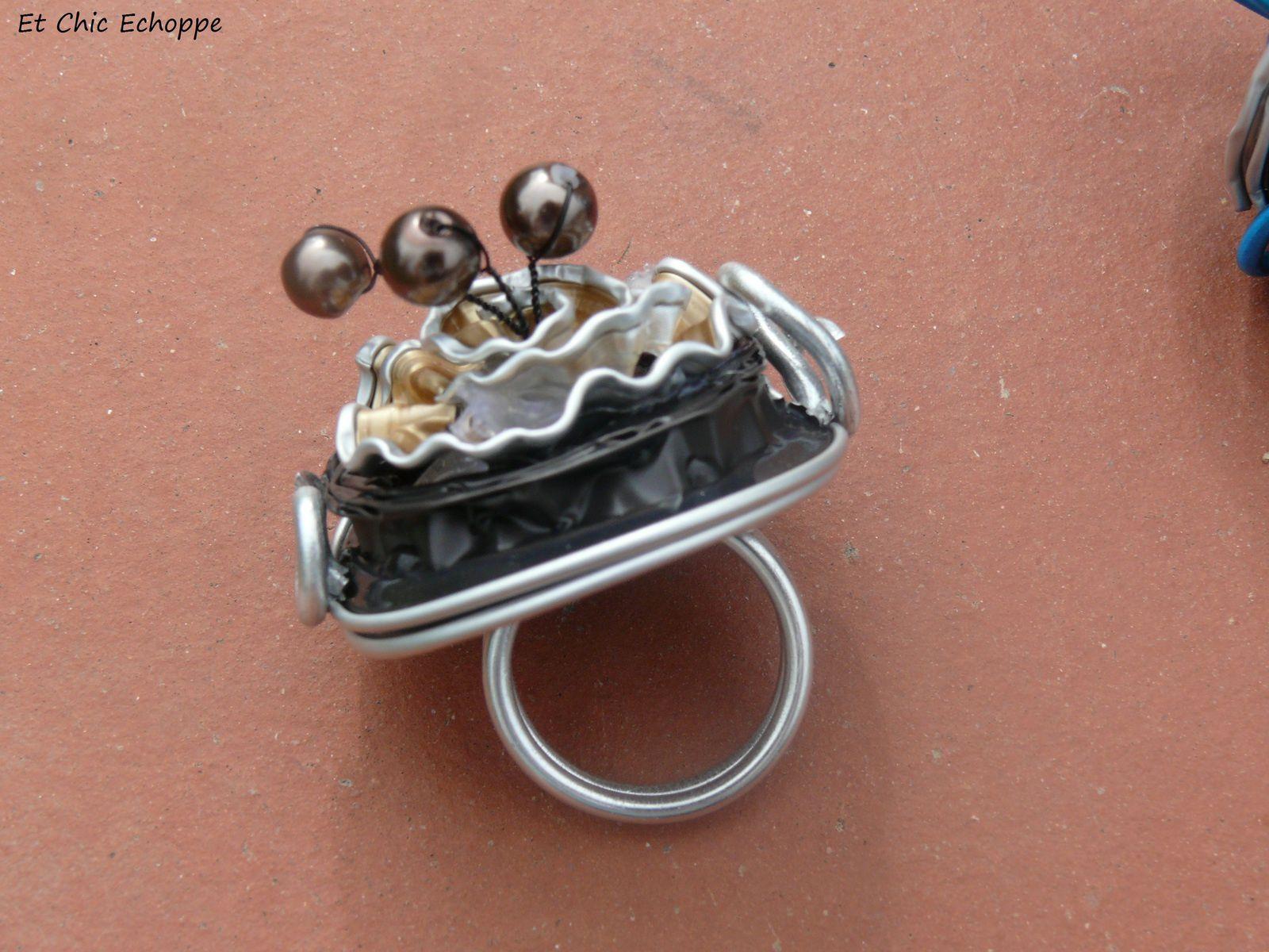 Elégante parure collier et bague en capsule nespresso