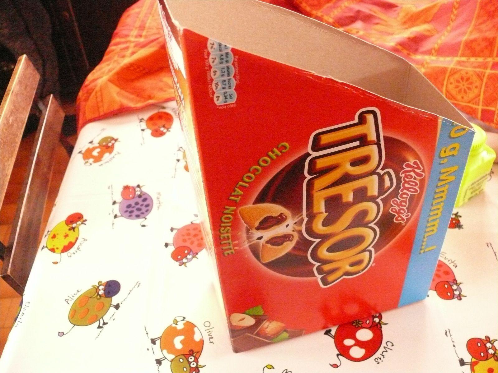 boite de céréales transformée en boite de rangement